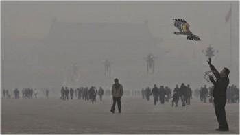 Una giornata di smog a Beijing.