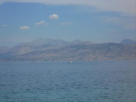 Le coste dell'Albania di fronte a Kassiopi.