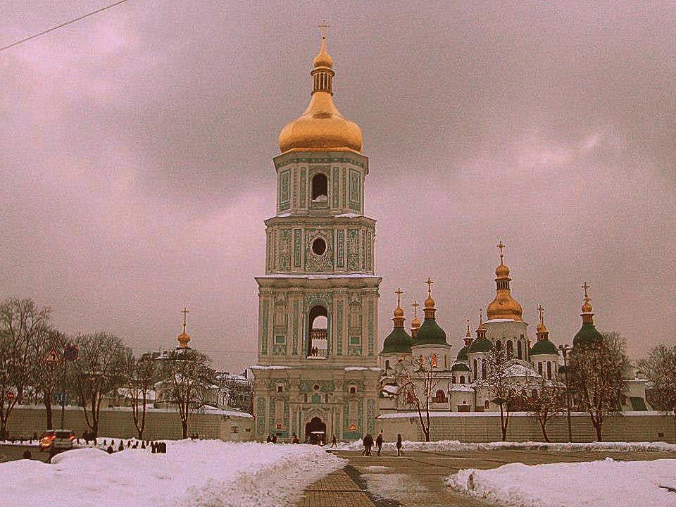 A Kiev ci sono tornata anche d'inverno: questa è Santa Sofia innevata.