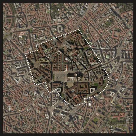 Il perimetro del Père Lachaise sul centro di Milano (il Duomo riconoscibile in basso).