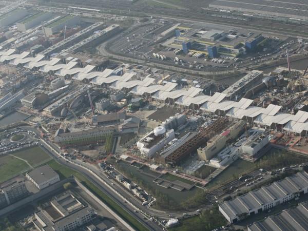 Il grande sito dell'Esposizione milanese, esteso per 1milione e 100mila metri quadrati…