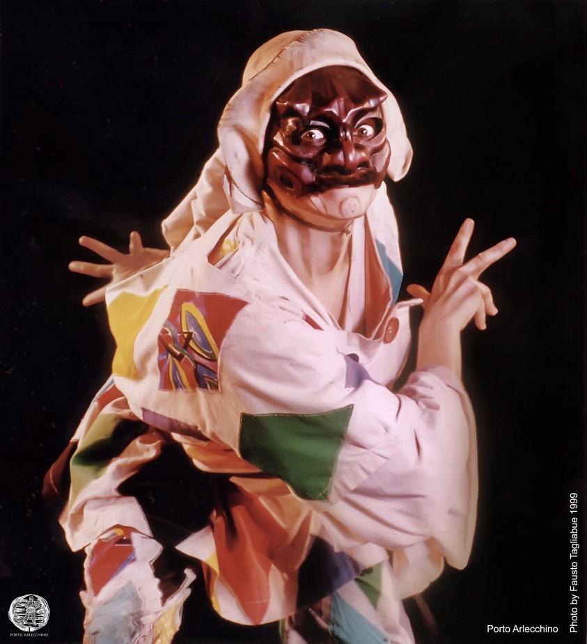 """Claudia Contin """"Arlecchino"""", attrice italiana che porta in scena la più nota delle maschere maschili"""
