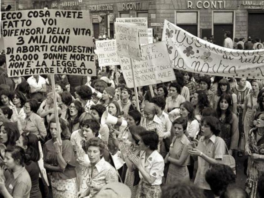 ROMA, 10 Giugno 1977 - Manifestazione femministe a favore dell' aborto. ANSA ARCHIVIO / 74927